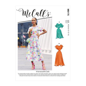 Kleid mit Cutouts, McCalls 8175